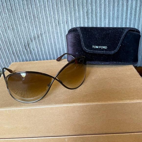 Tom Ford Whitney Sunglasses - Bold